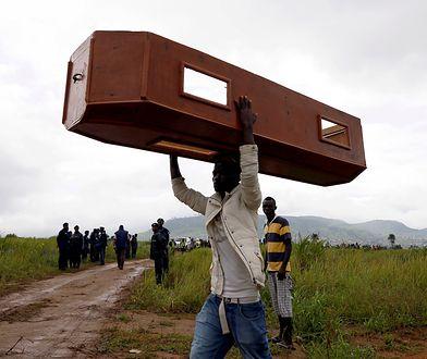 Świat ignoruje setki ofiar kataklizmu. Europy nie stać na takie zachowanie