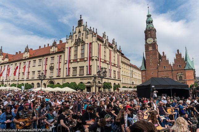 Gitarowy Rekord Guinnessa we Wrocławiu. Pobito zeszłoroczny rekord