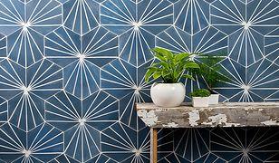 Efektowny wzór geometryczny jest oryginalny i trwały - to piękna dekoracja holu lub klatki schodowej