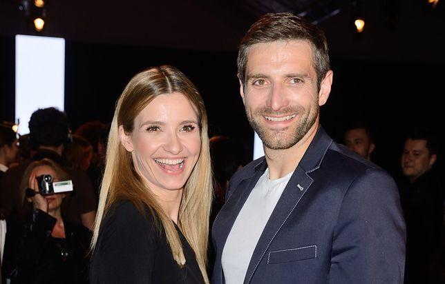 Joanna Koroniewska i Maciej Dowbor zaśpiewali piosenkę. Pokazali zabawne nagranie