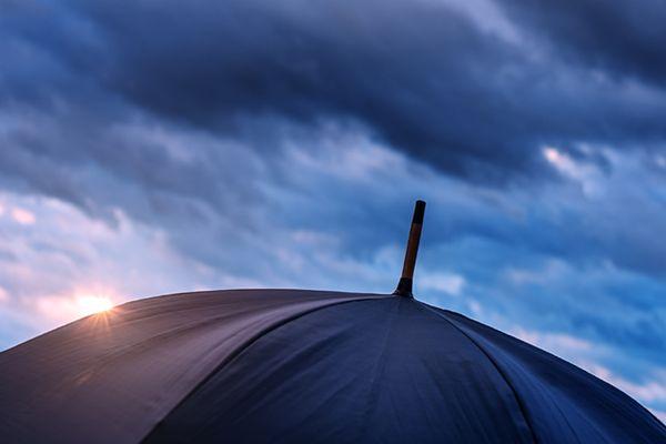 IMGW ostrzega przed intensywnymi opadami deszczu - możliwe podtopienia