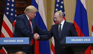 Zdaniem komentatorów, Donald Trump jadł Władimirowi Putinowi z ręki