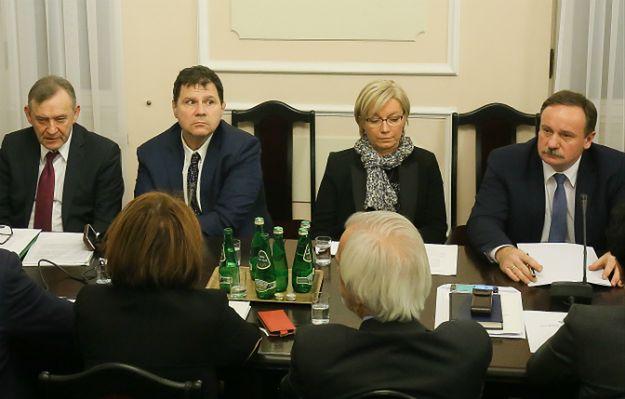 Smoleńsk w biografiach większości nowych sędziów Trybunału Konstytucyjnego