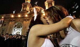 Holenderscy podatnicy finansują... chilijskich homoseksualistów!