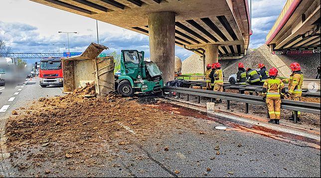 Kraków. Tragiczny wypadek na A4. Nie żyje kierowca