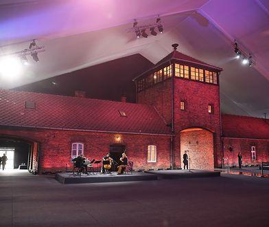75. rocznica wyzwolenia obozu Auschwitz-Birkenau. Uroczystości przed Bramą Śmierci