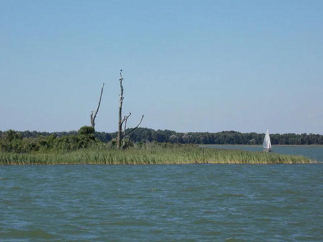 Wysoki Ostrów,  jezioro Dobskie