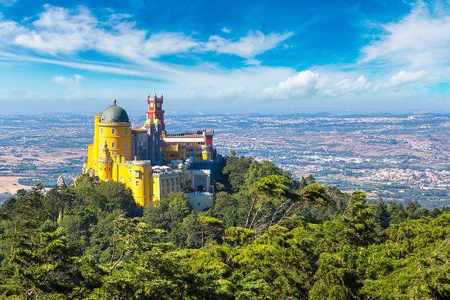 Palácio Nacional da Pena zaskakuje wielością barw oraz kształtów