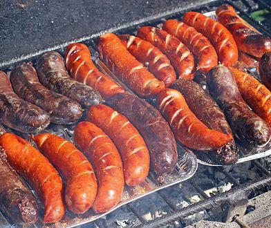 Kiełbasa z grilla - tak robią ją znani kucharze