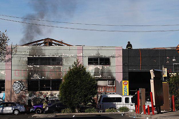 Tragiczny pożar w klubie w Oakland. Już ponad 30 ofiar śmiertelnych
