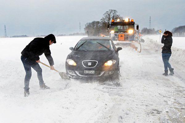 Chaos komunikacyjny w Bułgarii spowodowany opadami śniegu