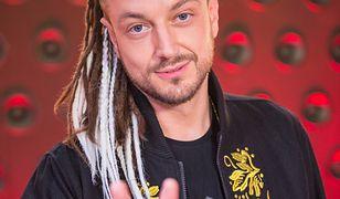 """""""The Voice of Poland"""": Baron o swoich dredach. Pozbędzie się ich? Zobaczcie wideo"""