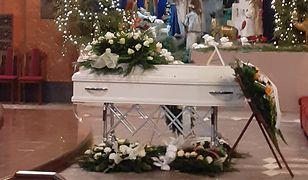 Piekary Śląskie. Tłumy na pogrzebie 13-letniej Patrycji z Bytomia. Wzruszające pożegnanie rodziców