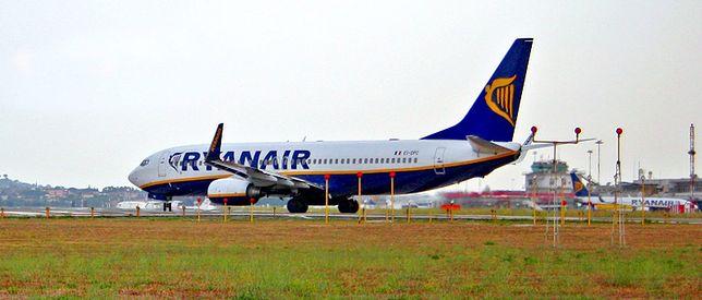 Rzym - samolot uderzył w budynek lotniska i stracił ogon