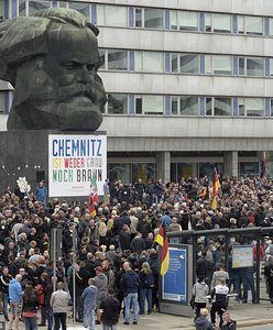 Chemnitz. Tłumy protestują na ulicach miasta. Policja w stanie najwyższej gotowości