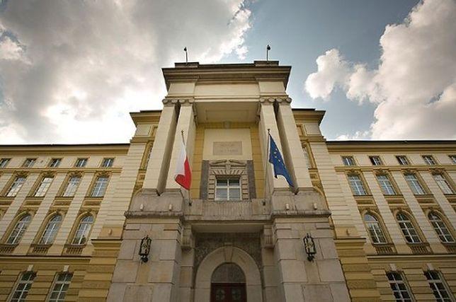 """PiS: Słowo """"Bóg"""" powinnno pojawić się na budynku Kancelarii Prezesa Rady Ministrów"""
