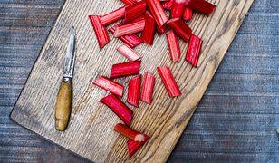 Rabarbar to składnik letnich deserów