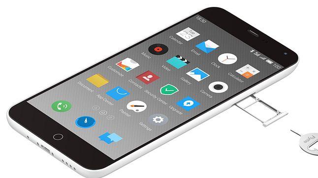Dwie karty SIM i ich sposób instalacji w telefonie także wskazuje na inspiracje produktami Apple.