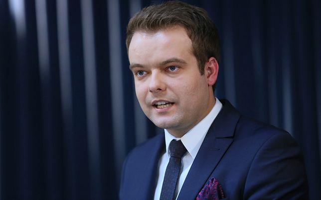 Rzecznik rządu Rafał Bochenek: ważne jest, byśmy uspokoili emocje