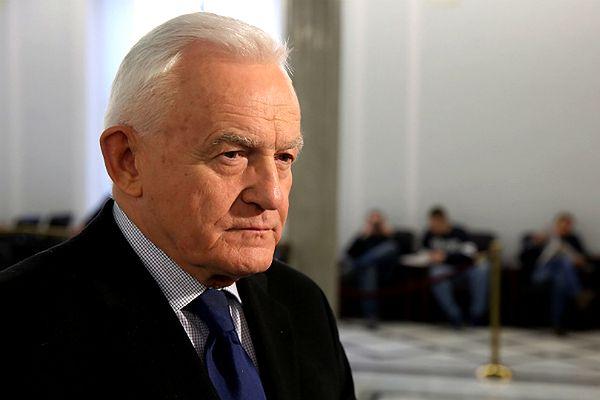 """Miller przeciwko sprzedaży broni Ukrainie. """"Może 50 tys. ludzi już wystarczy?"""""""