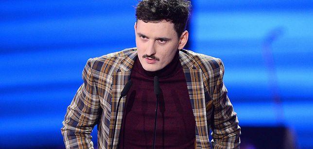 Dawid Podsiadło bez charakterystycznego wąsa. Trudno go rozpoznać!