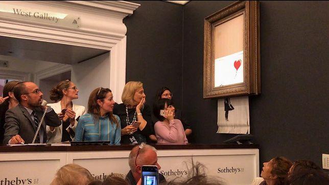 Banksy zakpił z koneserów. Obraz kupiony za ponad milion funtów uległ samozniszczeniu