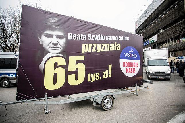 """""""Konwój wstydu"""" wyruszył w Polskę"""