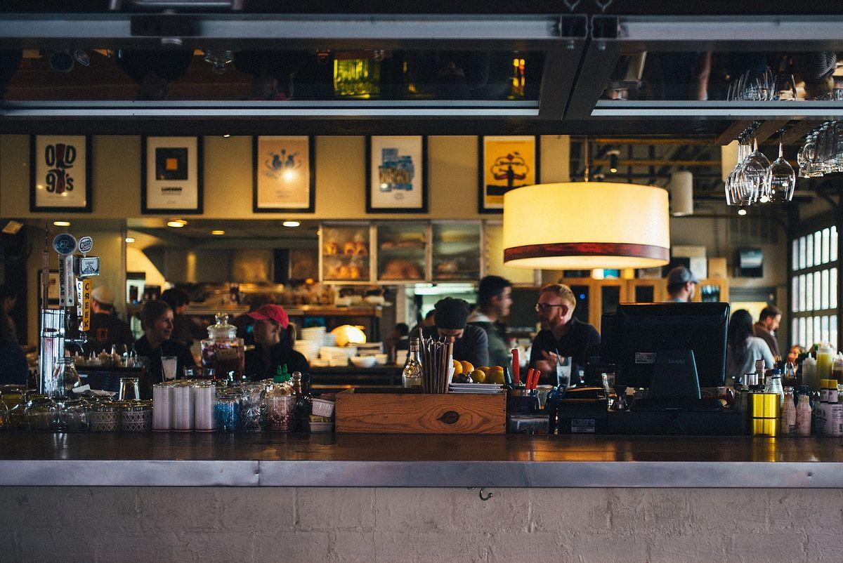 Nie ma decyzji o otwarciu lokali gastronomicznych. Nie wiaodomo, kiedy wznowią działalność