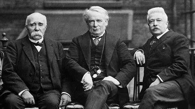 Od lewej: premier Francji George Clemenceau, premier Wielkiej Brytanii David Lloyd George i premier Włoch Vittorio Emanuele Orlando