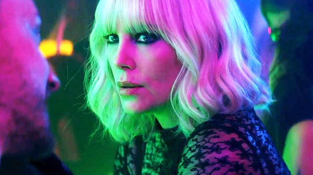 """Charlize Theron o filmie """"Atomic Blonde"""": reżyser chciał, żeby film skłaniał do nieprzyjemnych refleksji [WIDEO]"""