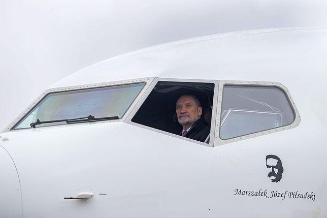 """""""Odlot"""" Antoniego Macierewicza. Zobacz, jak minister prezentuje się w nowej maszynie"""