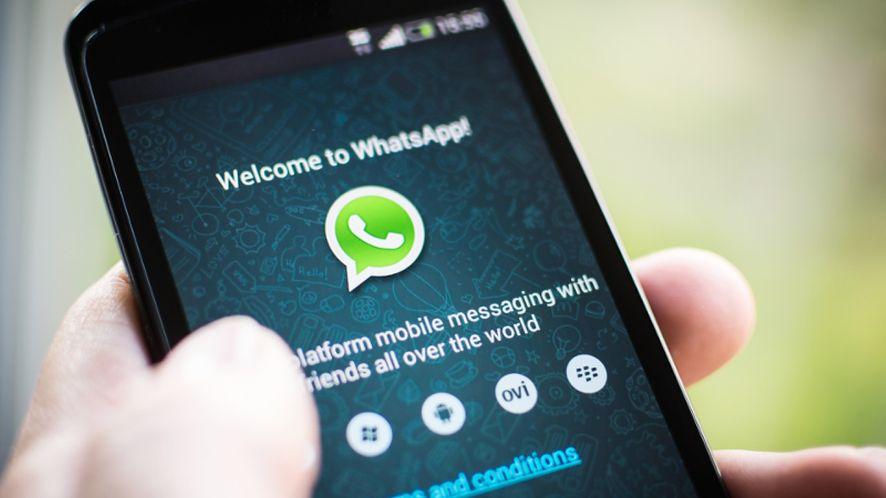 WhatsApp z naklejkami kolejnym dowodem na to, że Facebook ma kompleks Snapchata