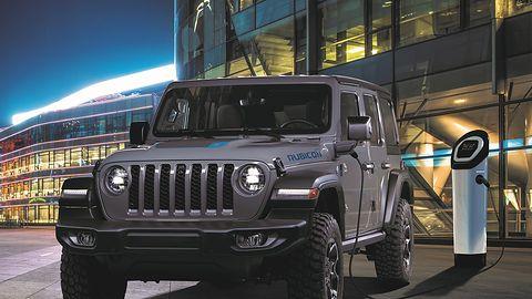 Jeep Wrangler & Compass 4xe: Hybrydą w teren!