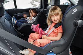 Przodem czy tyłem – który sposób przewożenia dziecka jest bezpieczniejszy?