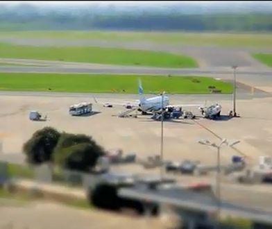 Lotnisko Chopina na filmie poklatkowym! [Niesamowite wideo]
