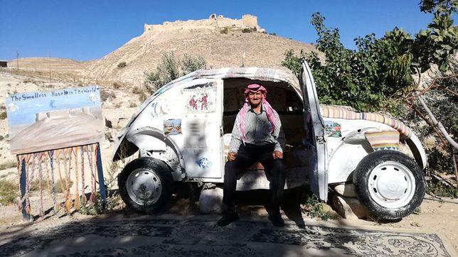 Noc w najmniejszym hotelu świata nie należy do najtańszych. Wynosi 40 dinarów jordańskich, czyli aż 200 zł.