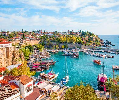 Antalya to popularny i w miarę tani kierunek podróży