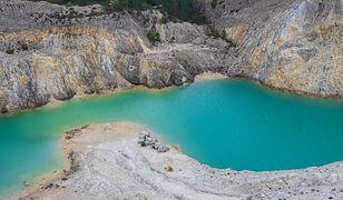 Podobne, toksyczne jezioro znajduje się w Nowosybirsku w Rosji