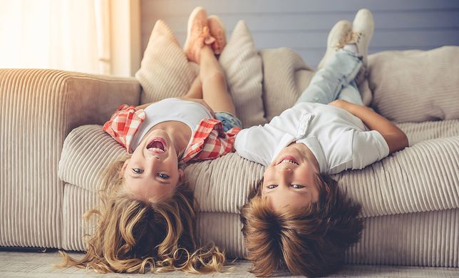 Pokój dziecięcy dla chłopca różni się od pokoju dla dziewczynki przede wszystkim ze względu na kolorystykę i dodatki dekoracyjne