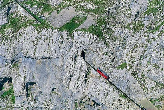 Kolej zębata na szczyt Pilatus, Szwajcaria