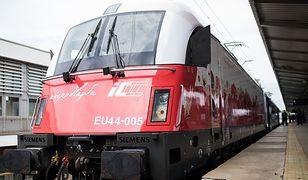 PKP Intercity świętuje 100-lecie niepodległości Polski. Na tory wjechały biało-czerwone pociągi