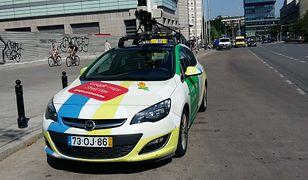Samochód Google'a wyjeżdża robić zdjęcia. Oglądaliśmy go z bliska