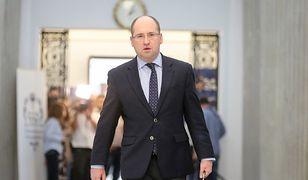 Adam Bielan jest zaskoczony rezygnacją rzecznika prezydenta Krzysztofa Łapińskiego