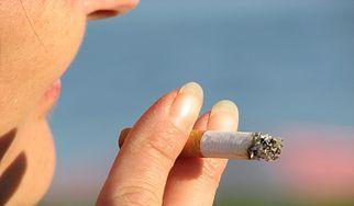Jak palenie wpływa na ciążę i dziecko? (WIDEO)
