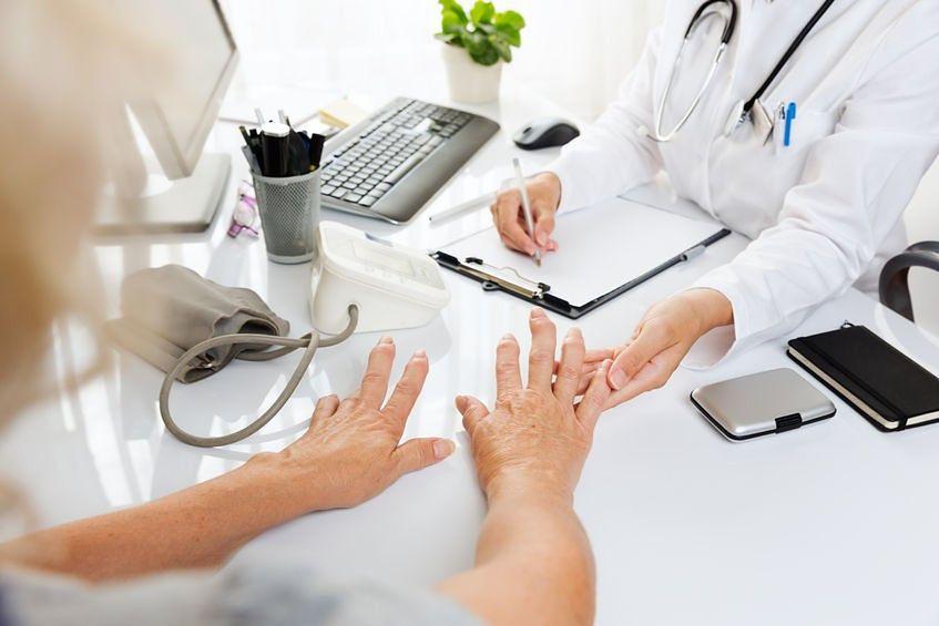 Menopauza może przyczyniać się do rozwoju osteoporozy
