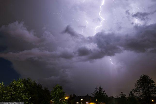 Pogoda w czwartek. Możliwe burze/ Zdjęcie ilustracyjne (East News)