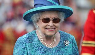 Królowa nie zamierza rezygnować z korony.