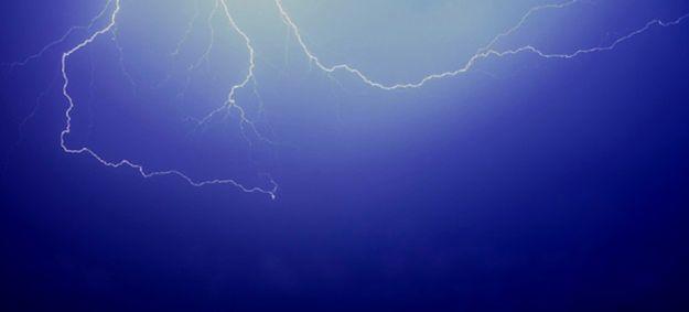 IMGW wydał ostrzeżenia dla 10 województw I i II stopnia. Możliwe gwałtowne burze i intensywne opady