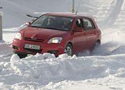 Samochód jesienią i zimą