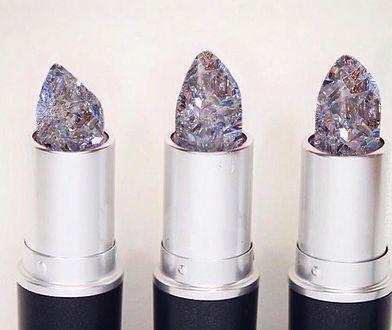 Diamentowa szminka hitem internetu! Wizażystki oszalały na jej punkcie